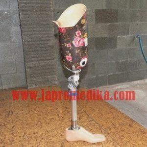 Kaki Palsu Atas Lutut Motif Batik